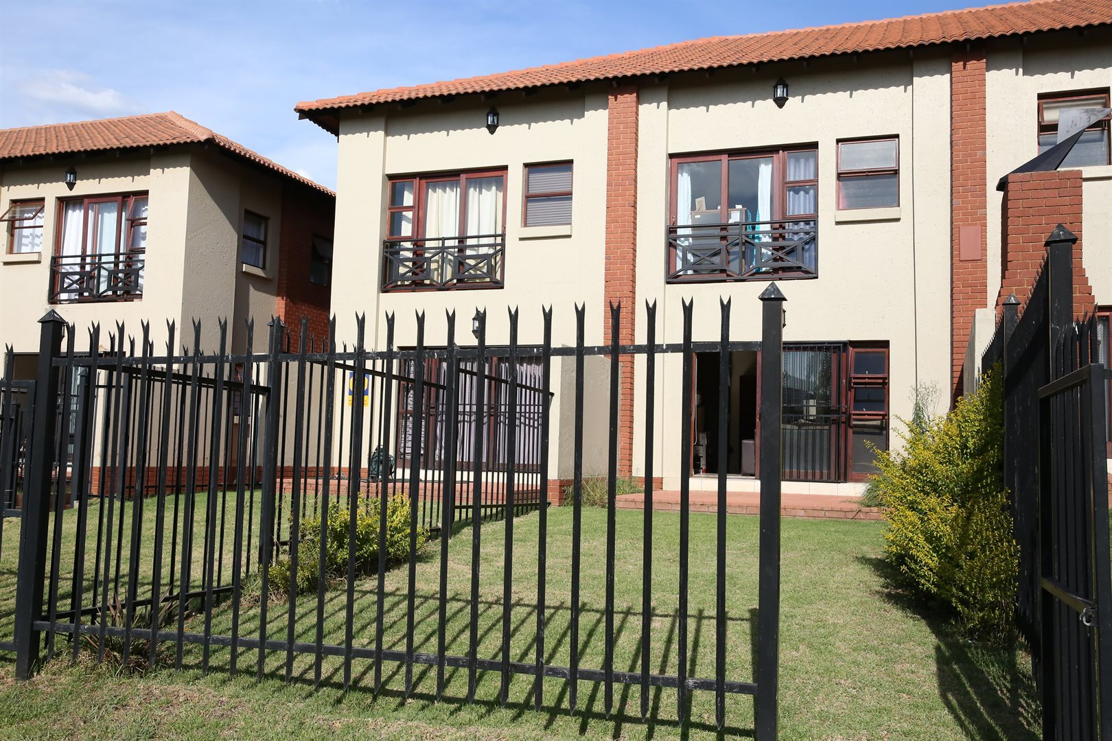 Property and Houses for sale in Pretoriuspark, Townhouse, 3 Bedrooms - ZAR 1,500,000