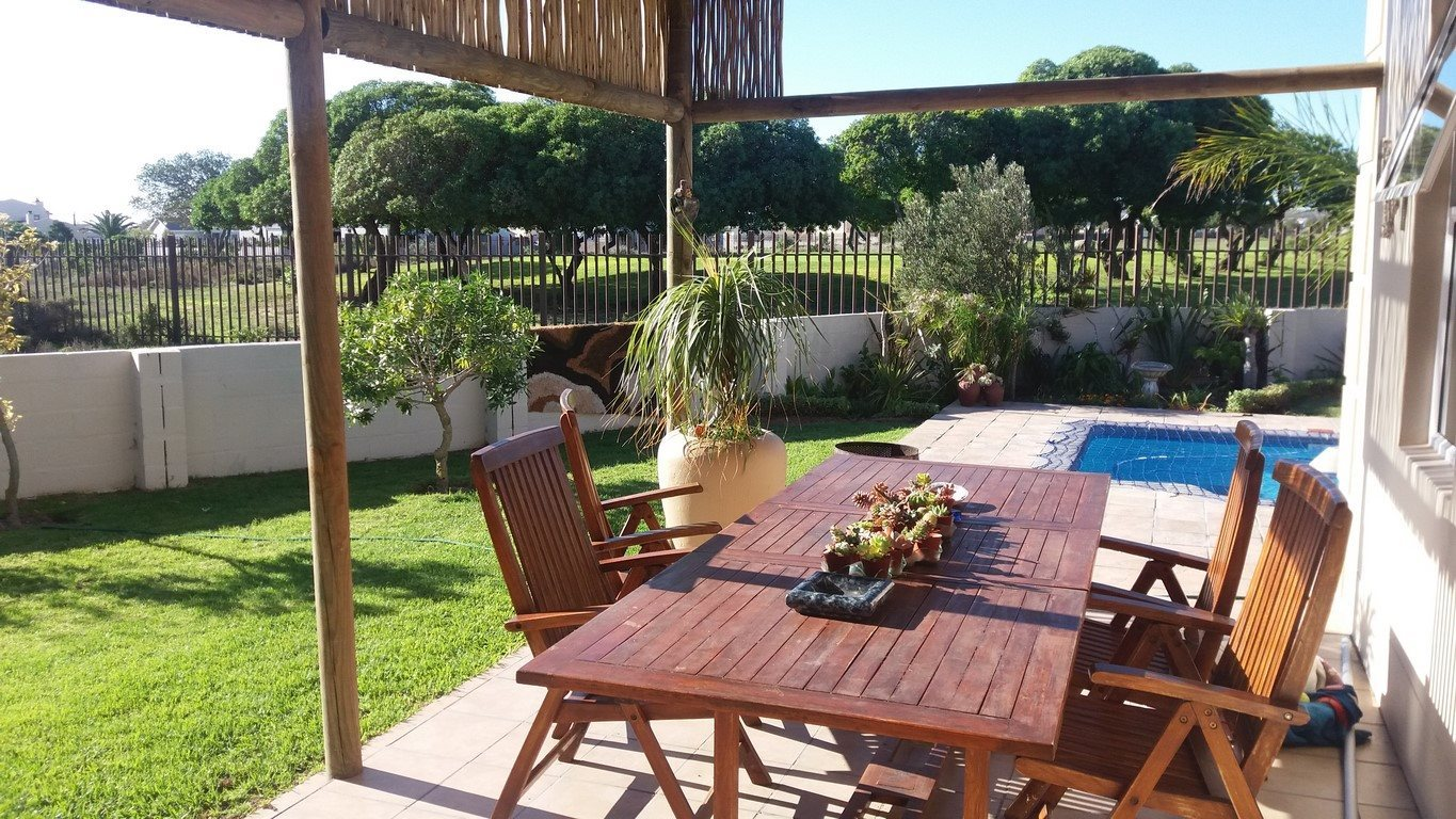 Country Club property for sale. Ref No: 13567857. Picture no 22