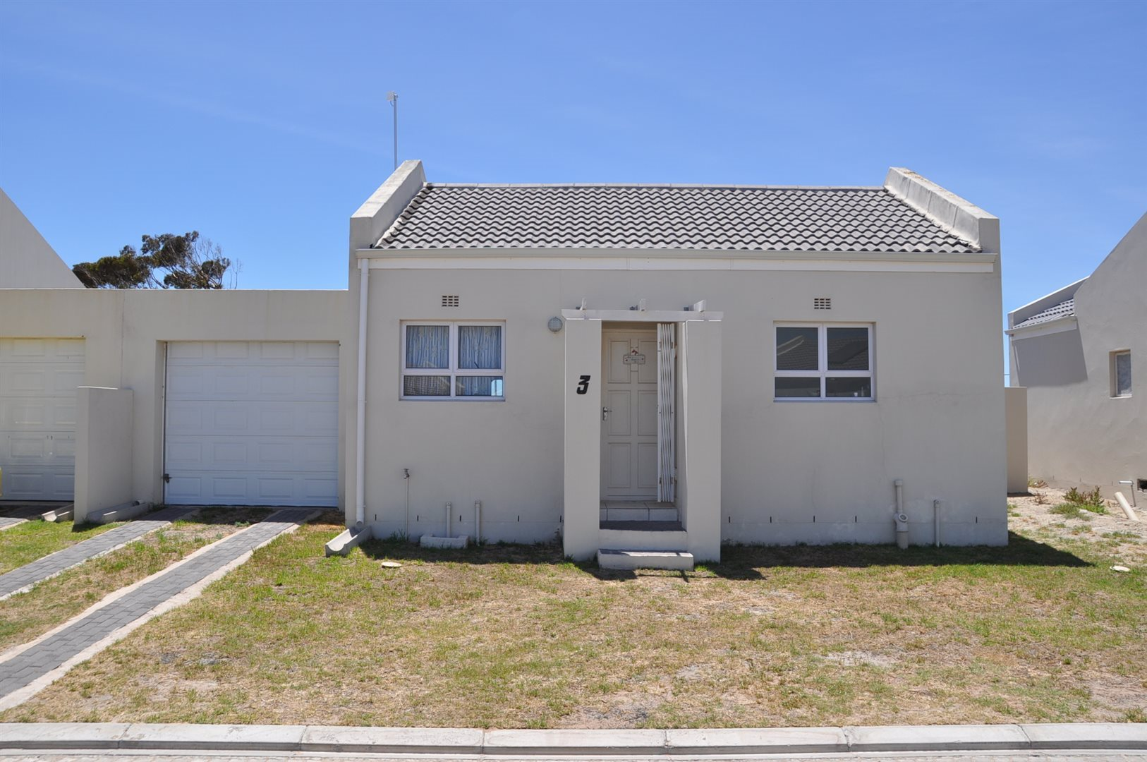 Property and Houses for sale in Olifantskop, House, 1 Bedrooms - ZAR 770,000