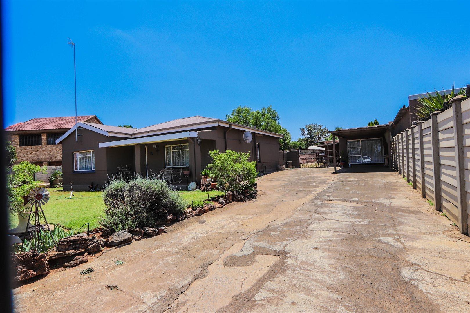 Meyerton, Rothdene Property    Houses For Sale Rothdene, Rothdene, House 3 bedrooms property for sale Price:825,000