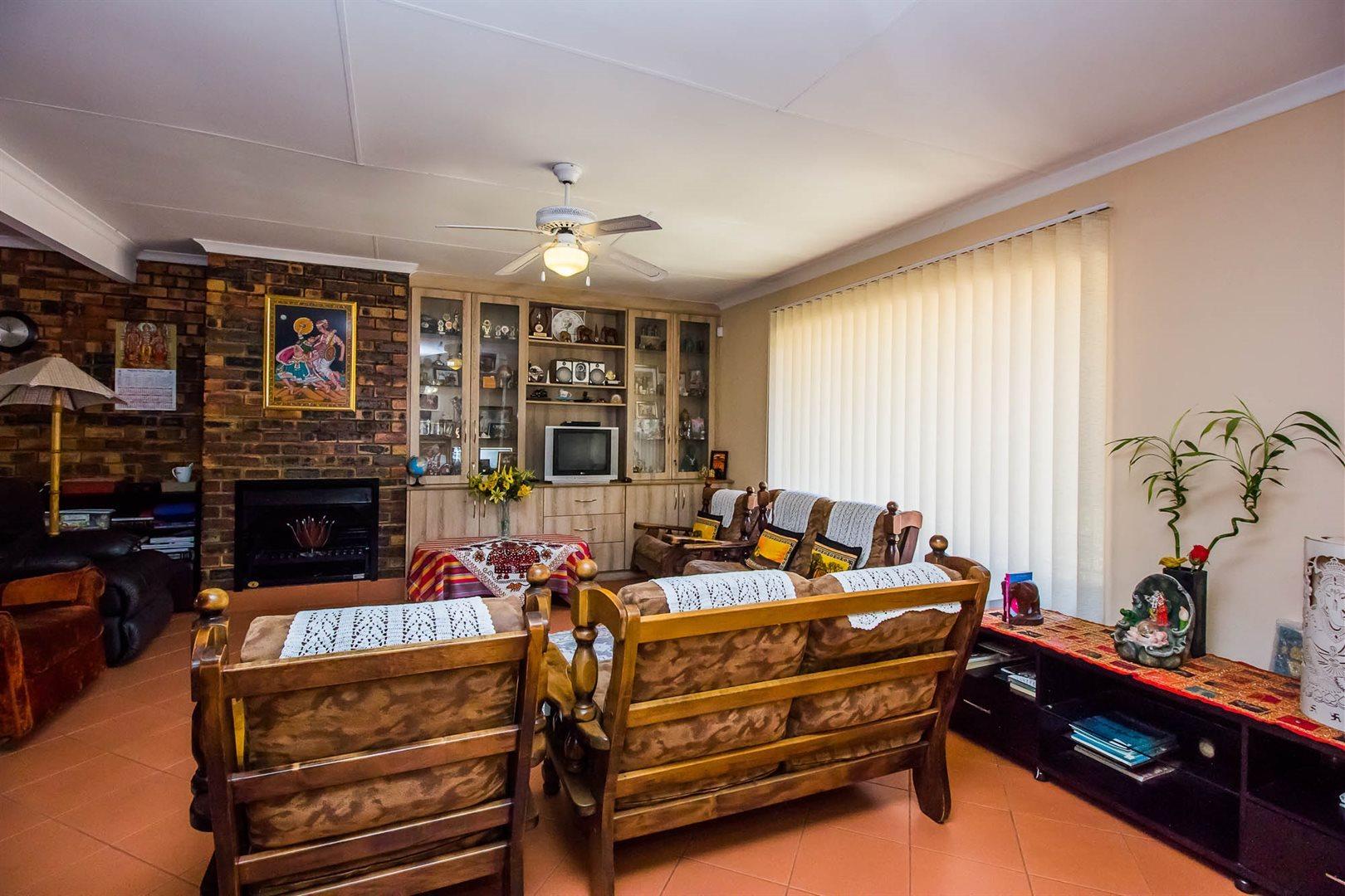 Elarduspark property for sale. Ref No: 13553870. Picture no 3