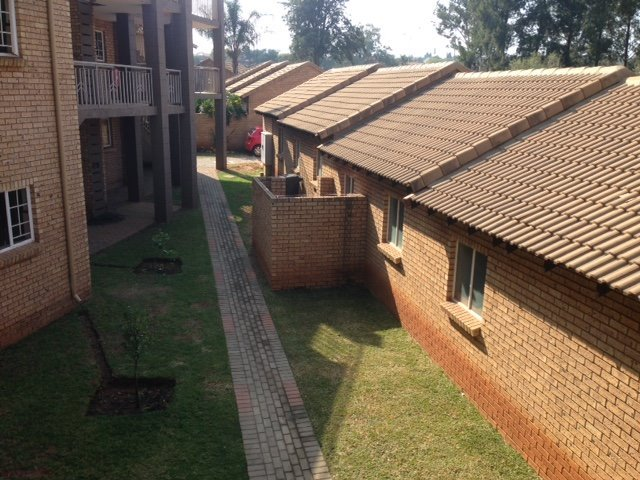 Centurion, Die Hoewes Property  | Houses To Rent Die Hoewes, Die Hoewes, Townhouse 2 bedrooms property to rent Price:,  6,00*
