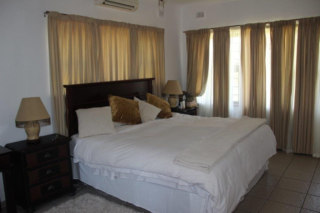 Uvongo property for sale. Ref No: 13529548. Picture no 27