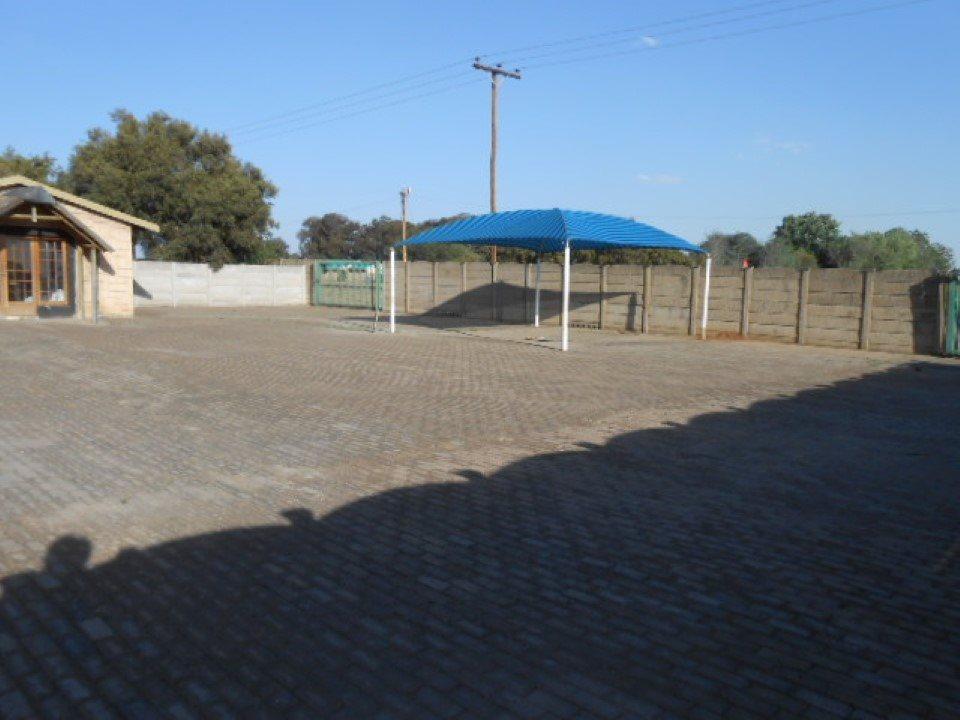 Mooilande property for sale. Ref No: 13400417. Picture no 4