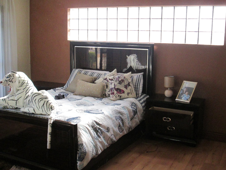 Glenvista property to rent. Ref No: 13552423. Picture no 3