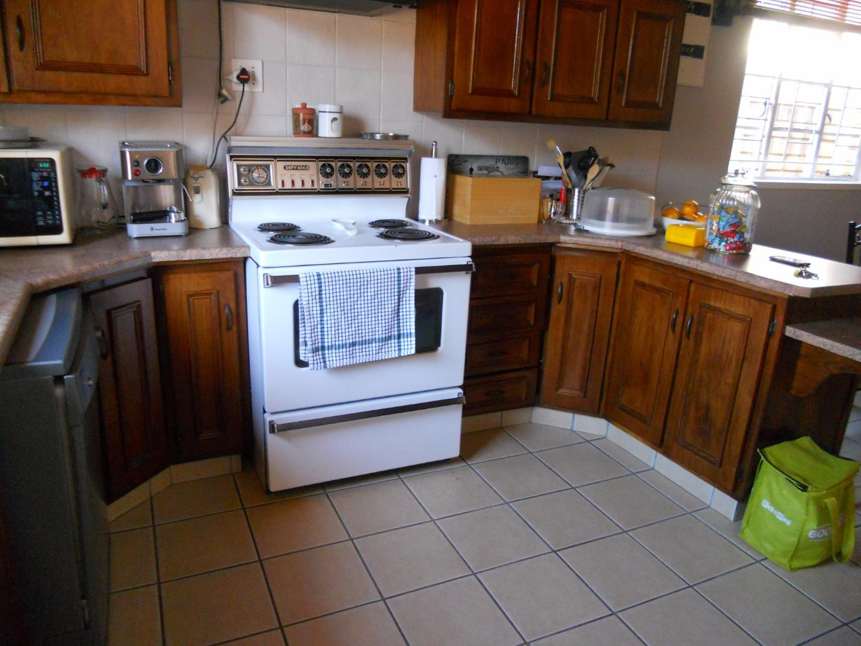Rosettenville property for sale. Ref No: 13525306. Picture no 4