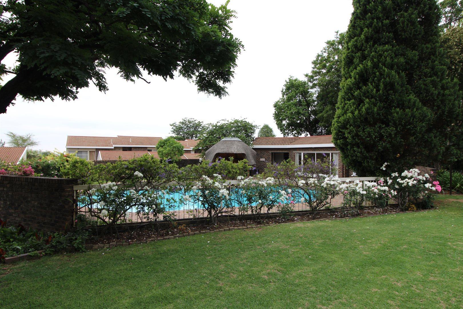 Bryanston property for sale. Ref No: 13552406. Picture no 28