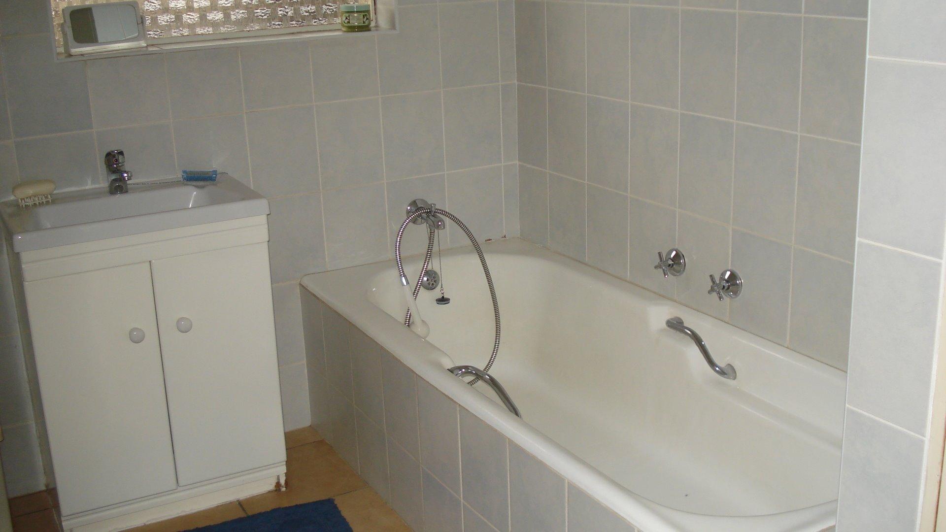 Randpark Ridge property for sale. Ref No: 13518117. Picture no 12
