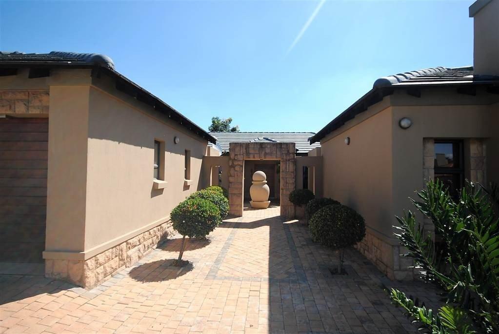 Midstream Estate property for sale. Ref No: 13506205. Picture no 14