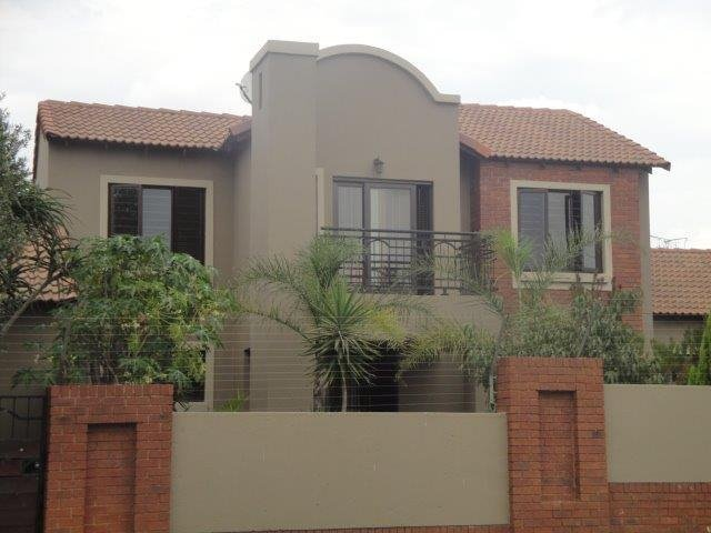 Centurion, Eco Park Estate Property  | Houses For Sale Eco Park Estate, Eco Park Estate, Townhouse 4 bedrooms property for sale Price:1,750,000