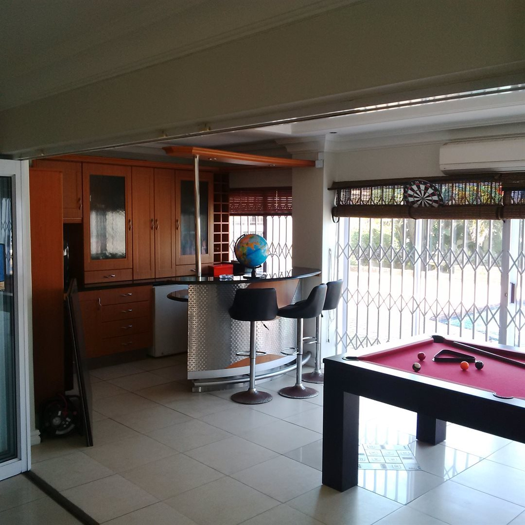 Amanzimtoti property for sale. Ref No: 13521518. Picture no 16