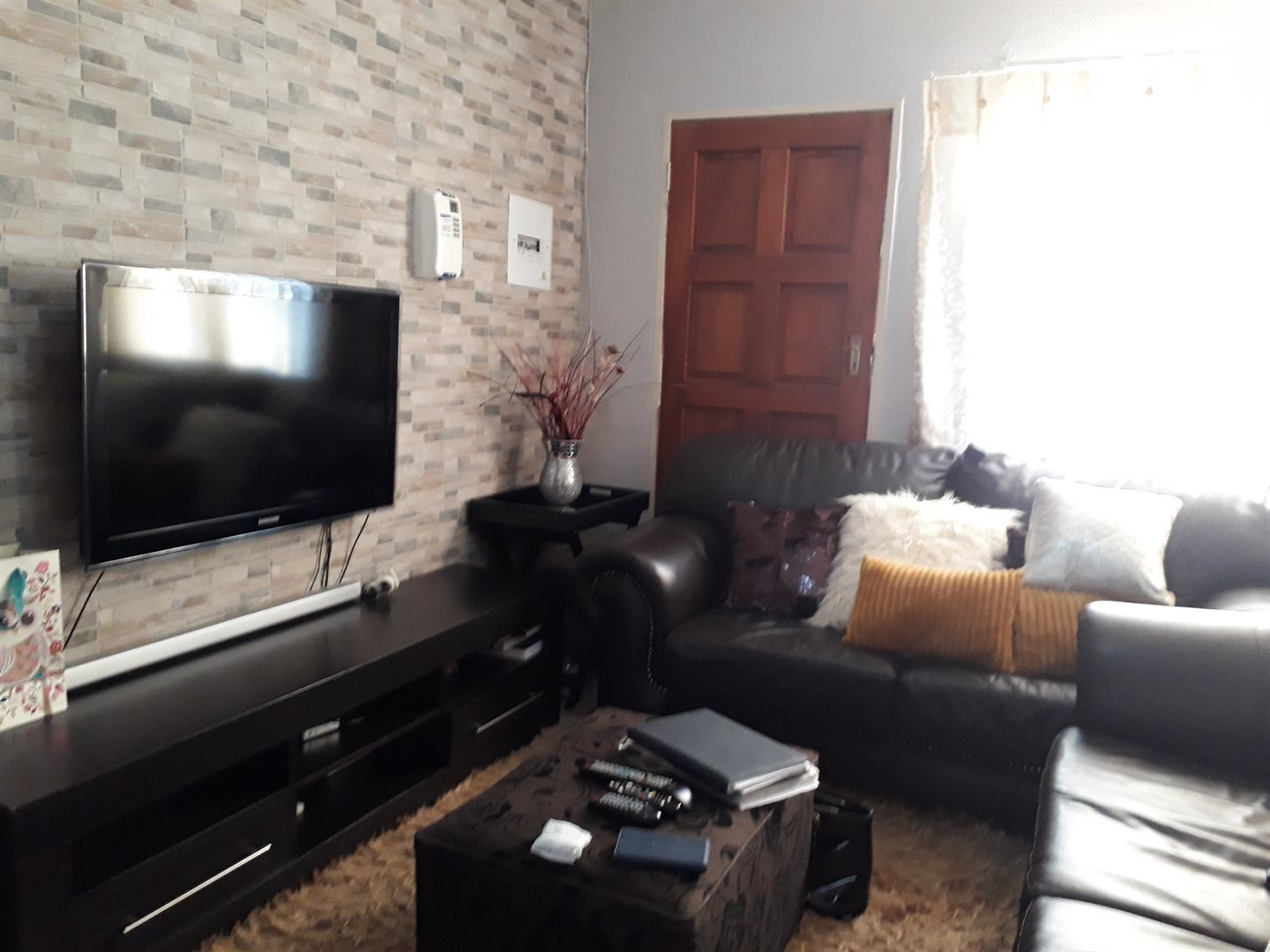 Olievenhoutbosch property for sale. Ref No: 13539800. Picture no 8