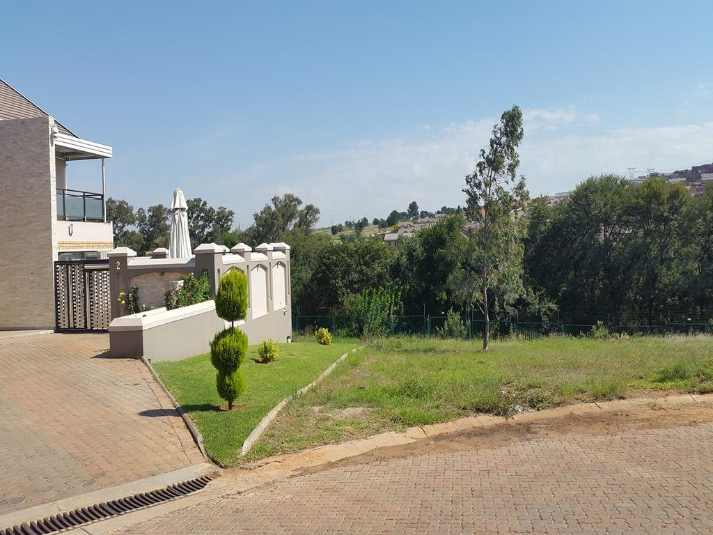 Property and Houses for sale in Rietvlei Heights Country Estate, Vacant Land - ZAR 1,355,000