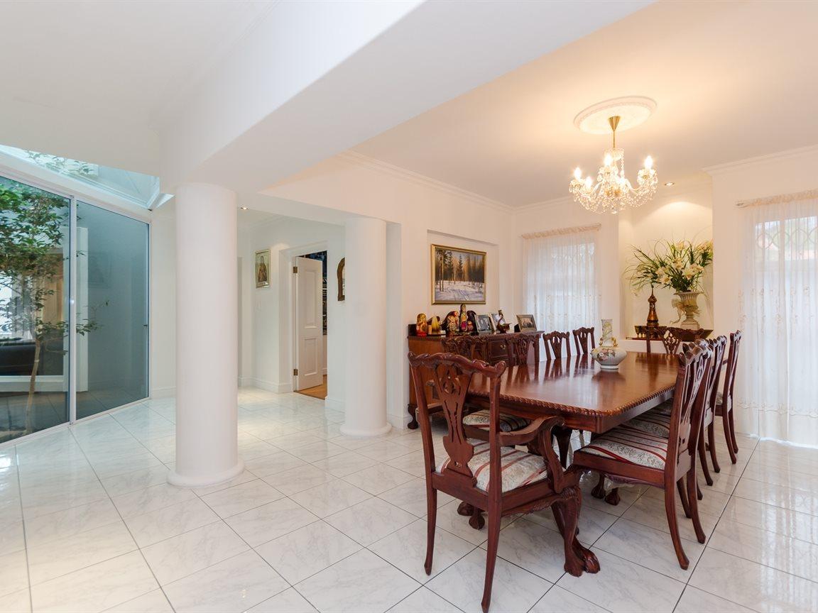 Bryanston property for sale. Ref No: 13418612. Picture no 11