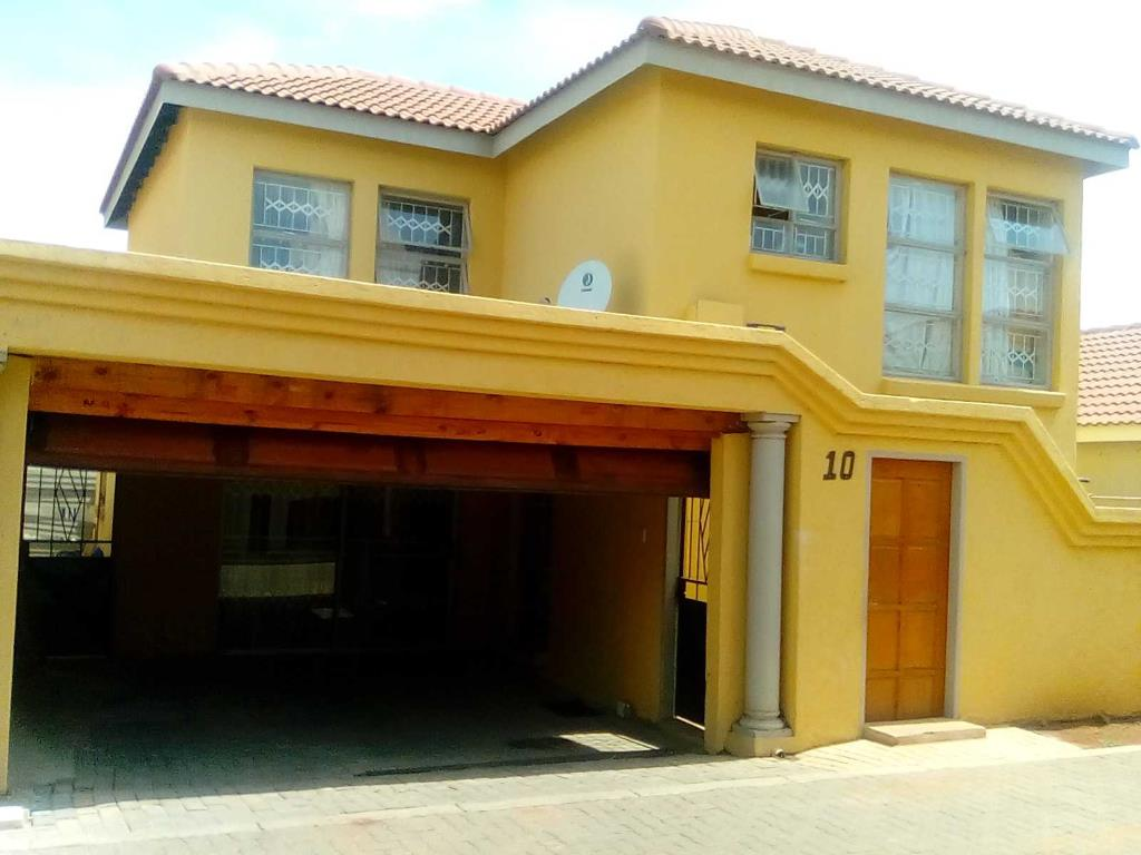 Pretoria, Karenpark & Ext Property  | Houses For Sale Karenpark & Ext, Karenpark & Ext, Apartment 3 bedrooms property for sale Price:845,000