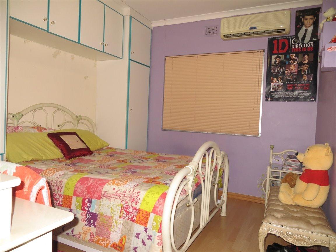 Brackenham property for sale. Ref No: 13256496. Picture no 9