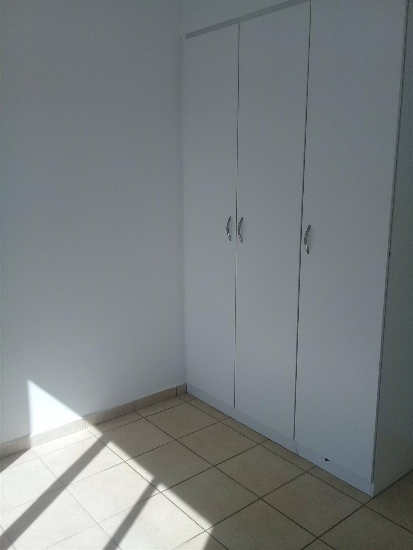 Brackenham property for sale. Ref No: 13528097. Picture no 10