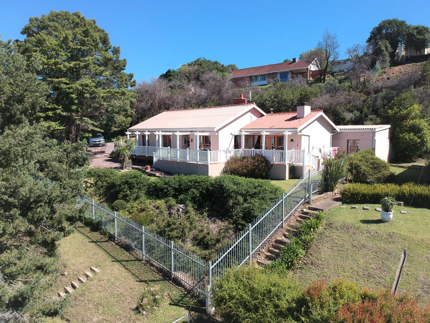 Property and Houses for sale in Knysna Central, House, 3 Bedrooms - ZAR 1,825,000