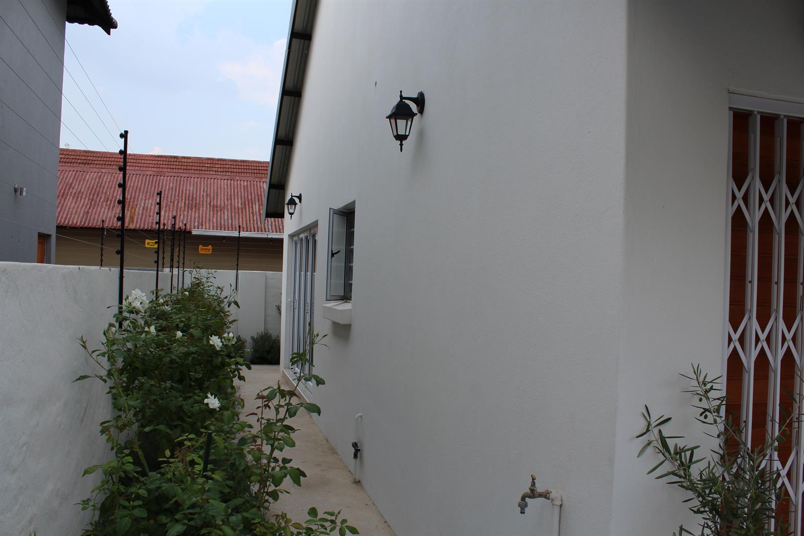Van Der Hoff Park property for sale. Ref No: 13432252. Picture no 12
