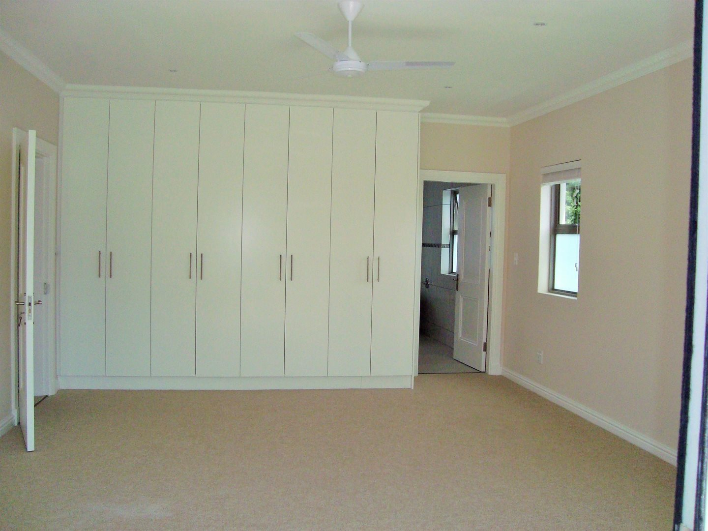 Claremont property to rent. Ref No: 13575482. Picture no 13
