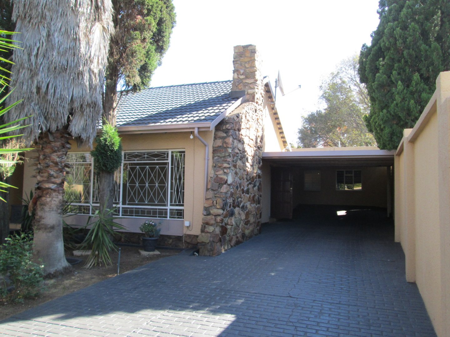 Property and Houses for sale in Randhart, House, 5 Bedrooms - ZAR 2,150,000