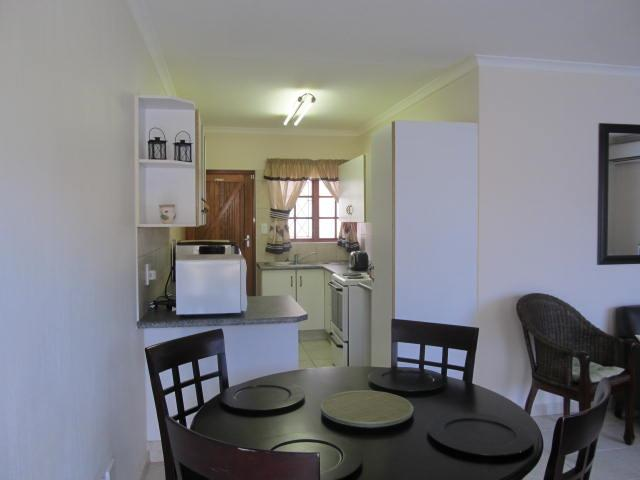 Shelly Beach property for sale. Ref No: 12737178. Picture no 5