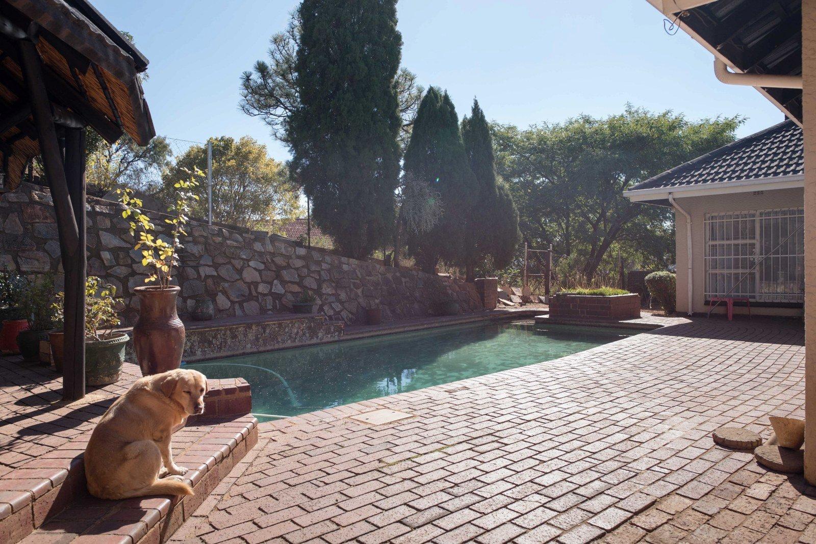Kibler Park property for sale. Ref No: 13640953. Picture no 2