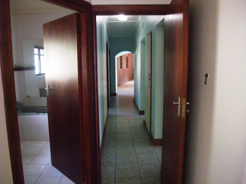 Uvongo property for sale. Ref No: 13291127. Picture no 18
