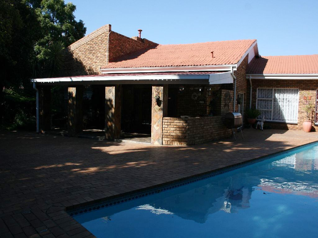 Randfontein, Helikonpark Property  | Houses For Sale Helikonpark, Helikonpark, House 3 bedrooms property for sale Price:1,950,000