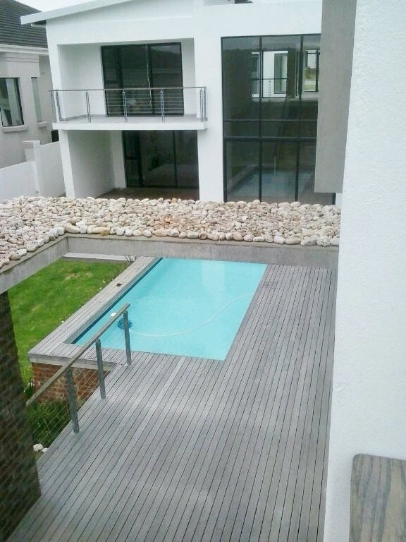 Walmer property for sale. Ref No: 13398800. Picture no 25