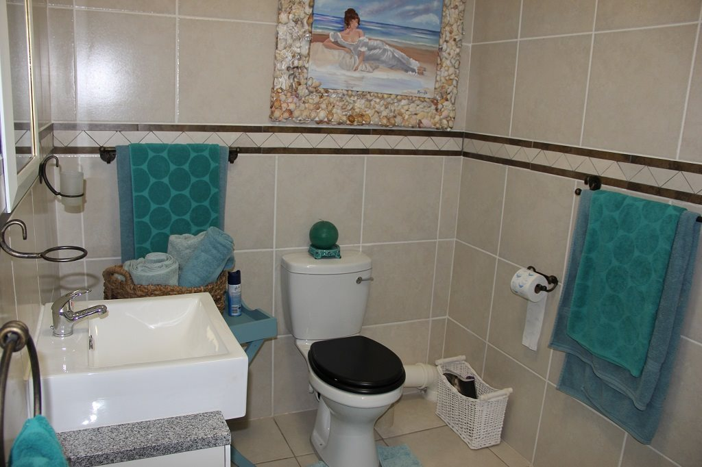 Margate property for sale. Ref No: 13350676. Picture no 8