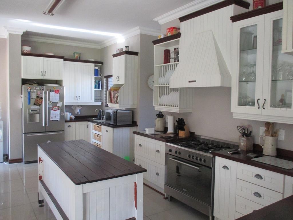 Midlands Estate property for sale. Ref No: 13317285. Picture no 6