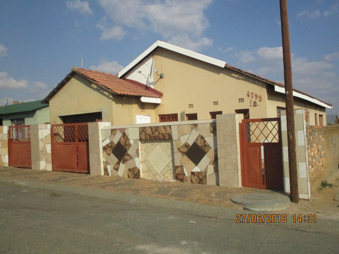 Krugersdorp, Kagiso Property  | Houses For Sale Kagiso, Kagiso, House 3 bedrooms property for sale Price:599,000