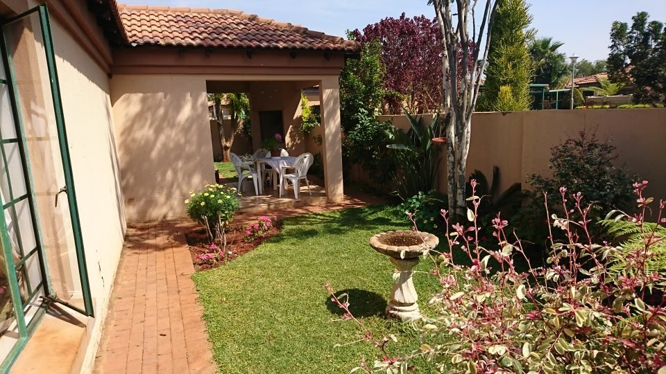 Property and Houses for sale in Hesteapark, House, 3 Bedrooms - ZAR 880,000