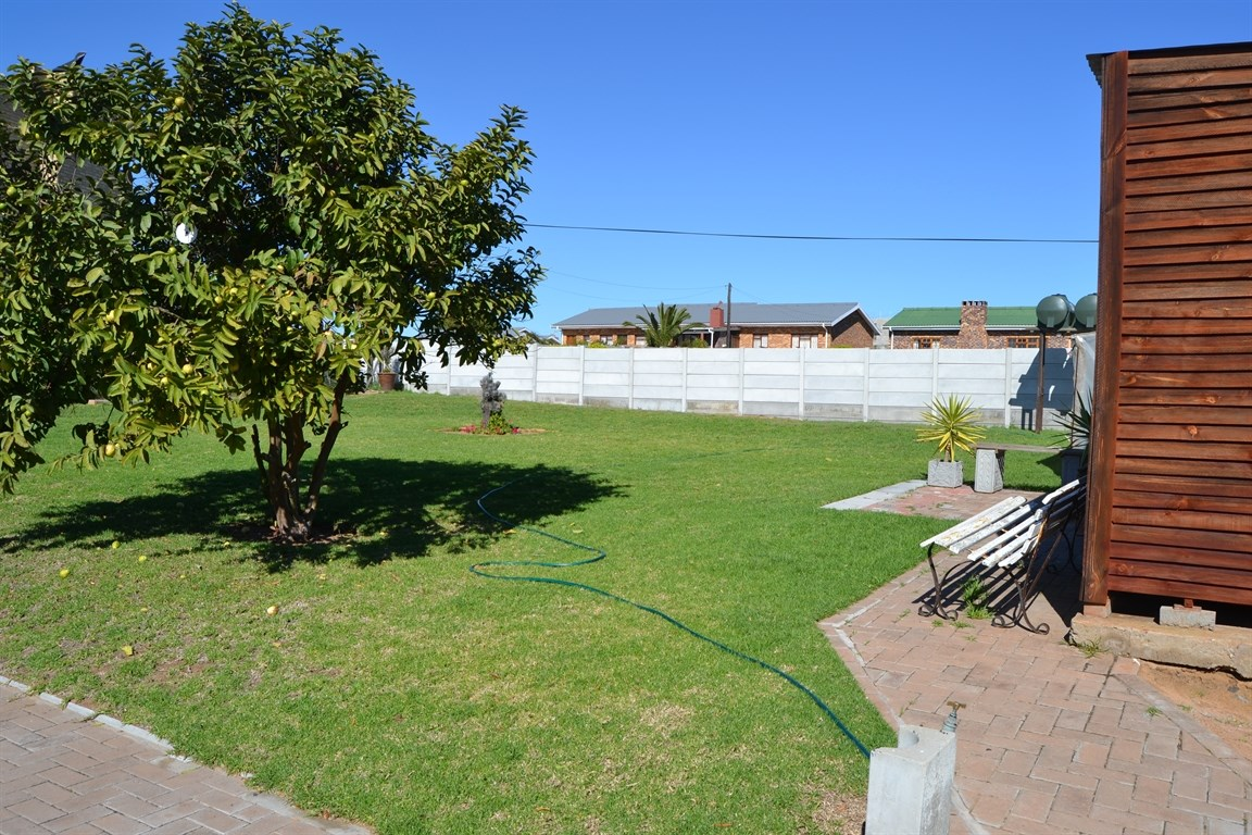 Lamberts Bay property for sale. Ref No: 13373968. Picture no 16