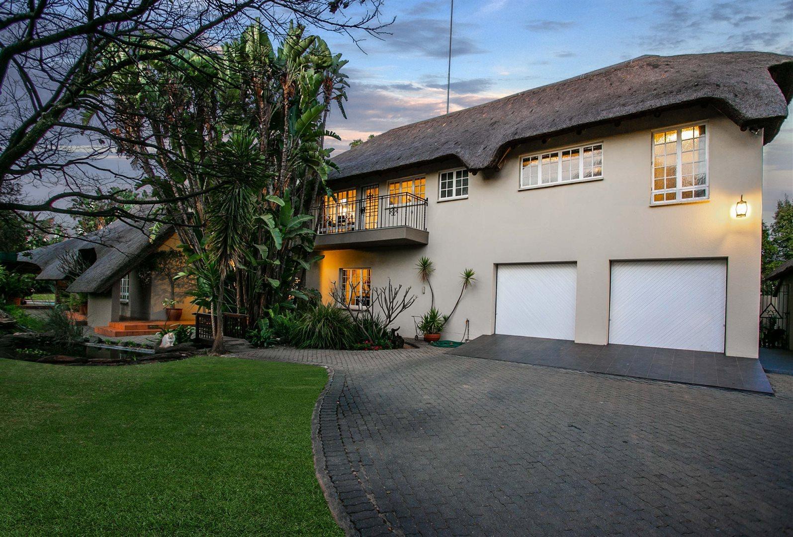 Sandton, Douglasdale Property  | Houses For Sale Douglasdale, Douglasdale, House 4 bedrooms property for sale Price:3,799,000
