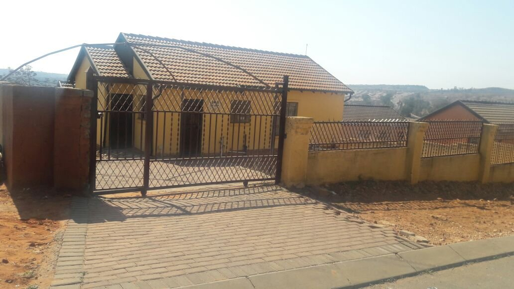 Property and Houses for sale in Mamelodi, House, 3 Bedrooms - ZAR 590,000