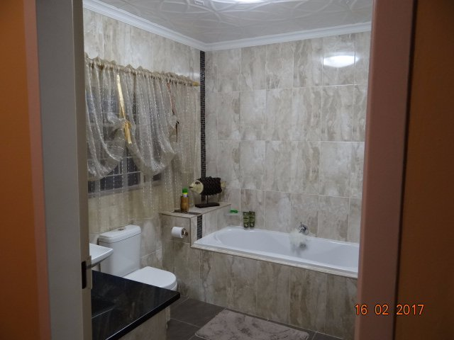 Helikonpark property for sale. Ref No: 13559429. Picture no 39