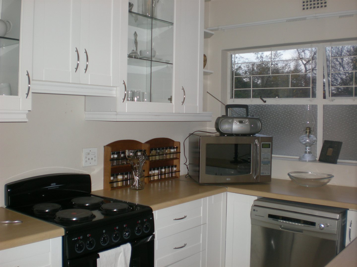 Newlands property to rent. Ref No: 13502606. Picture no 5
