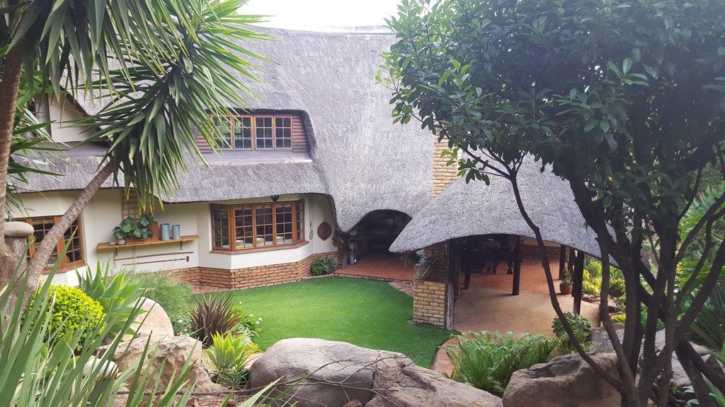 Pretoria, Faerie Glen Property  | Houses To Rent Faerie Glen, Faerie Glen, House 4 bedrooms property to rent Price:, 23,00*