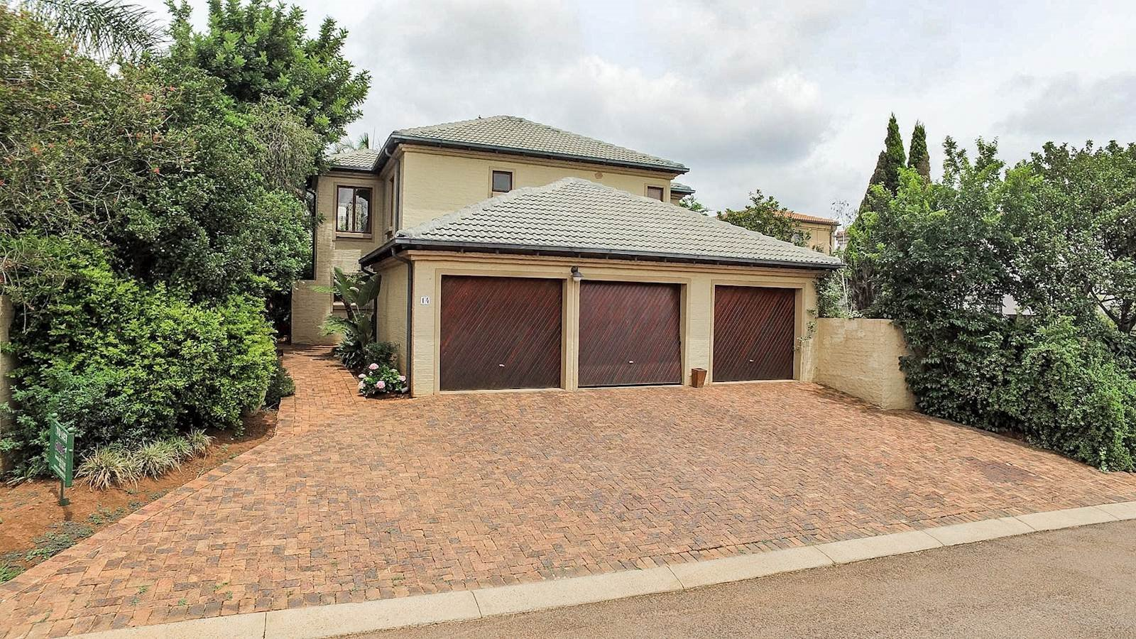 Property and Houses to rent in Centurion Golf Estate, Townhouse, 3 Bedrooms - ZAR , 16,00*,M