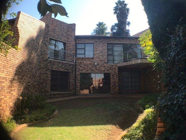 Johannesburg, Glenvista Property  | Houses For Sale Glenvista - Page 3, Glenvista, Townhouse 3 bedrooms property for sale Price:1,899,000