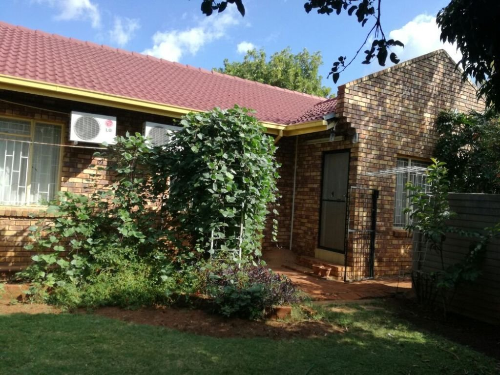 Property and Houses for sale in Karenpark, House, 3 Bedrooms - ZAR 1,130,000