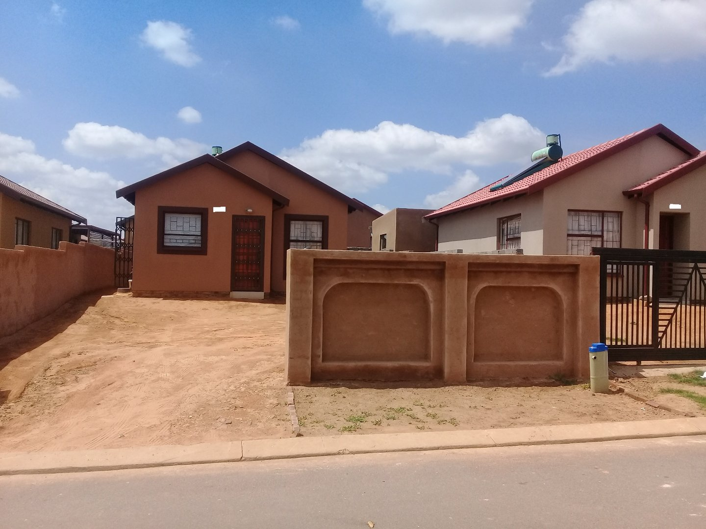 Soshanguve East property for sale. Ref No: 13589776. Picture no 15