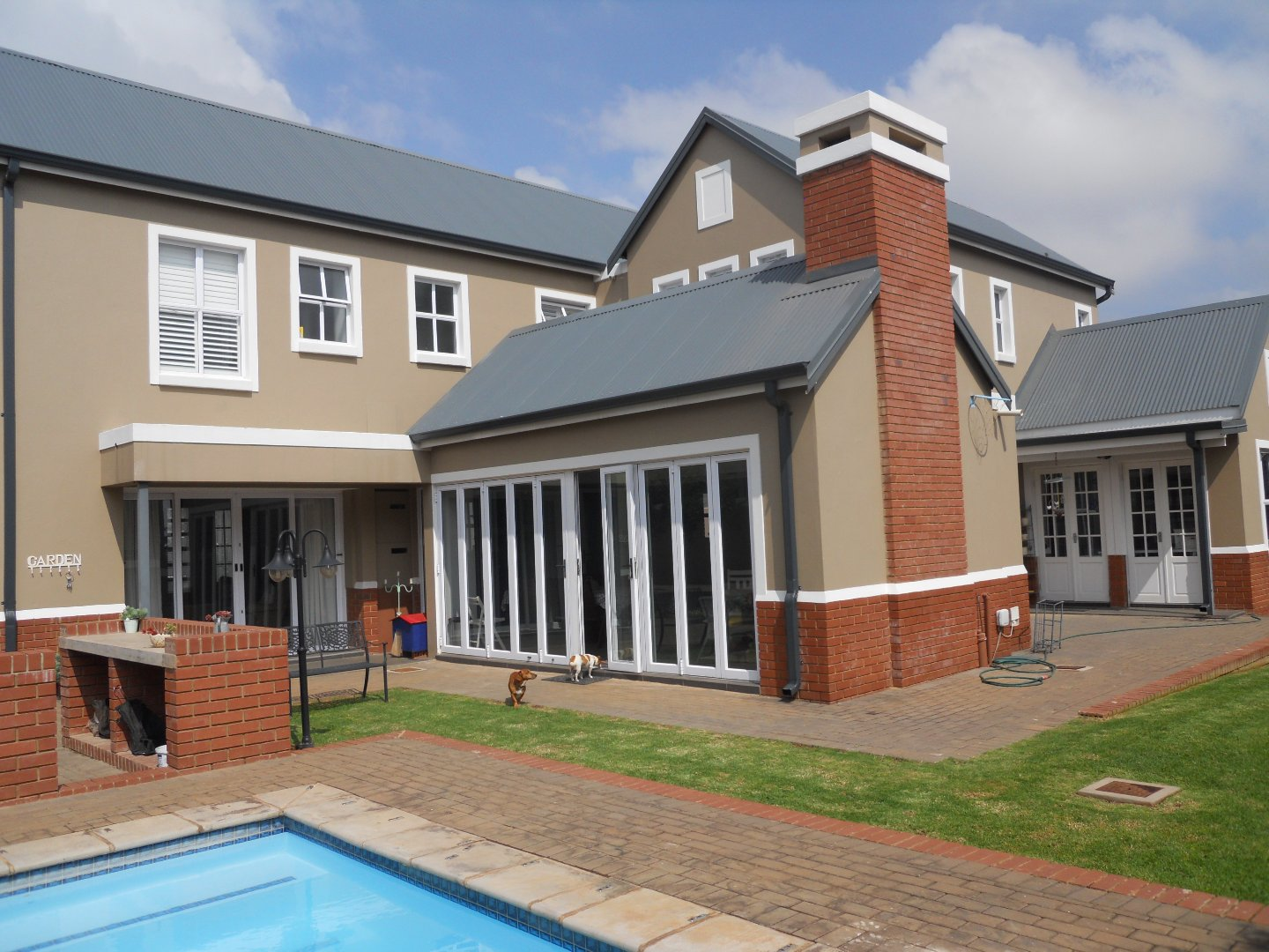 Property and Houses for sale in Midstream Ridge Estate, House, 5 Bedrooms - ZAR 5,720,000