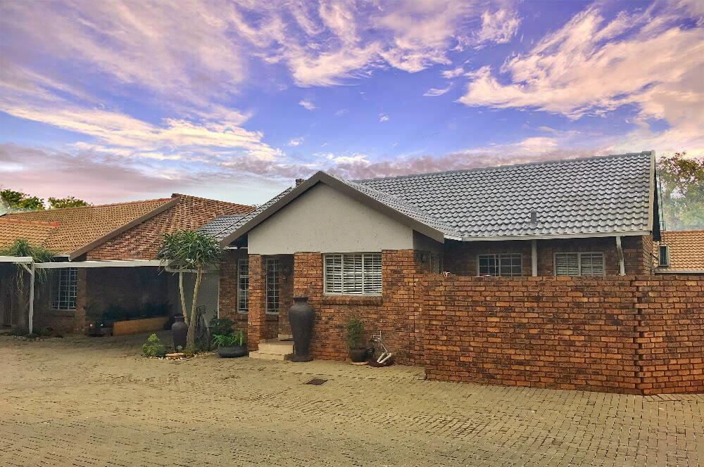 Centurion, Amberfield Property    Houses For Sale Amberfield, Amberfield, Townhouse 2 bedrooms property for sale Price:1,350,000