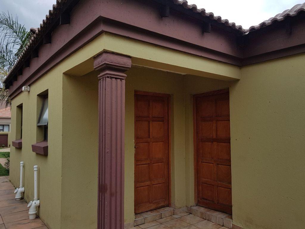 Ninapark property for sale. Ref No: 13609735. Picture no 2