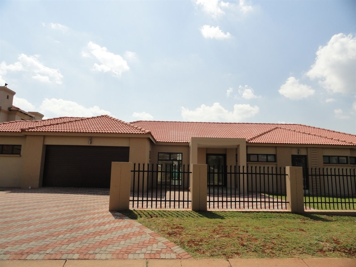 Pretoria, Willow Acres Estate Property  | Houses For Sale Willow Acres Estate, Willow Acres Estate, House 4 bedrooms property for sale Price:2,950,000