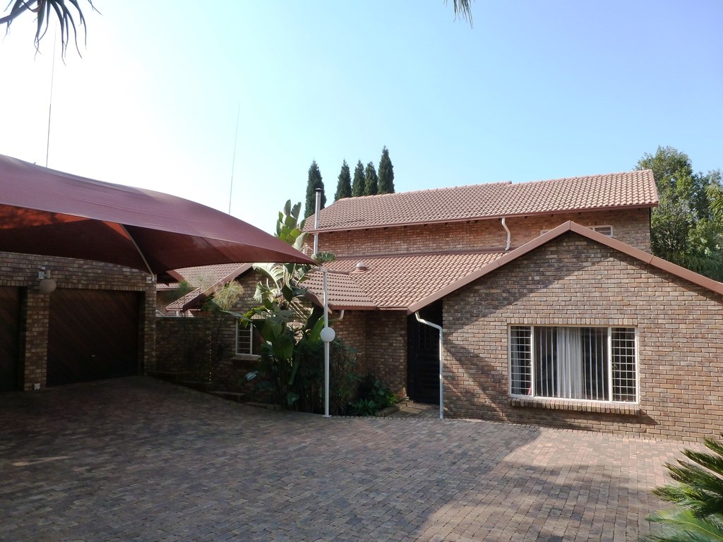 Property and Houses for sale in Moreletapark, House, 4 Bedrooms - ZAR 2,740,000