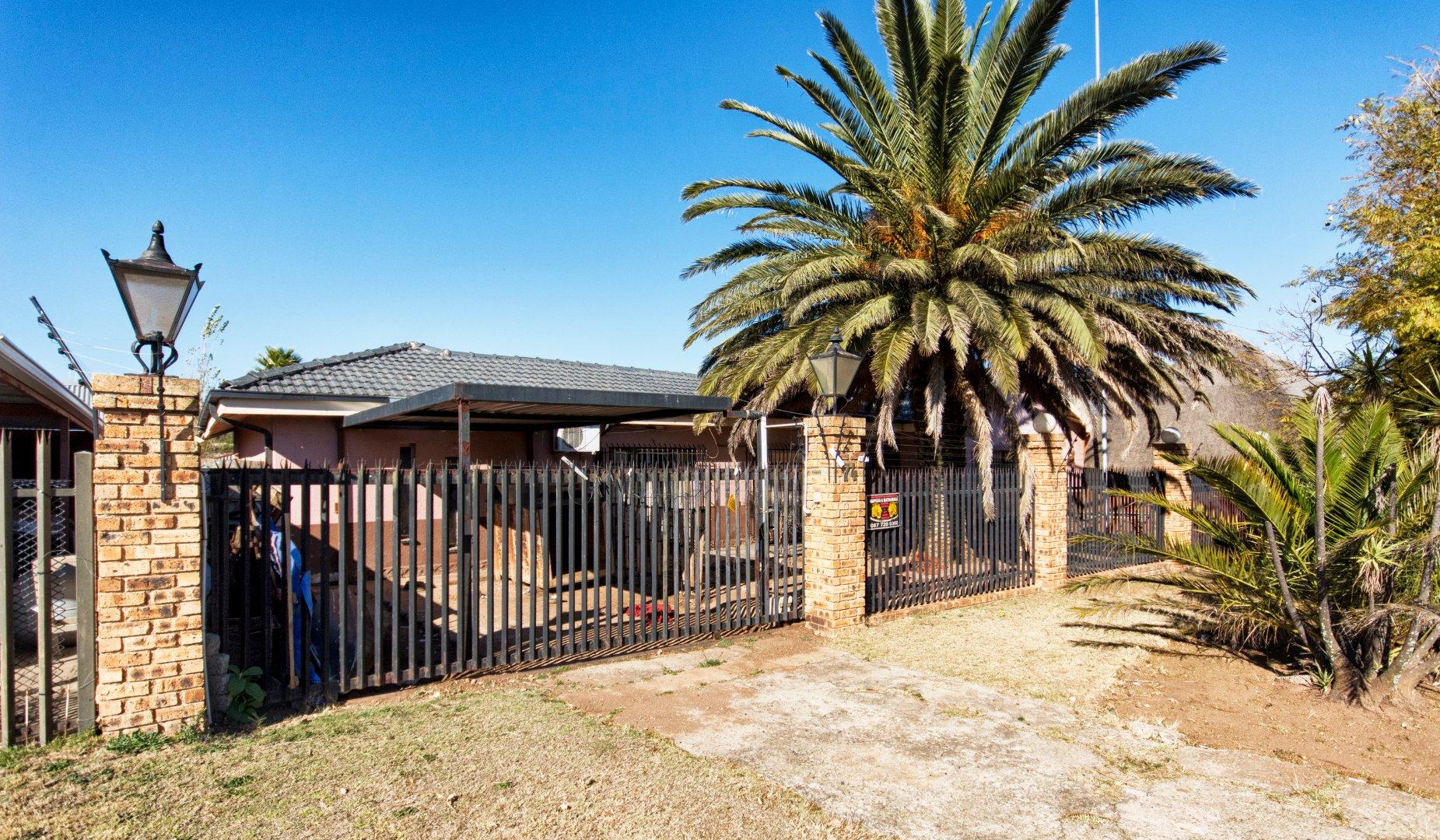 Krugersdorp, Dan Pienaarville Property  | Houses For Sale Dan Pienaarville, Dan Pienaarville, House 3 bedrooms property for sale Price:1,050,000
